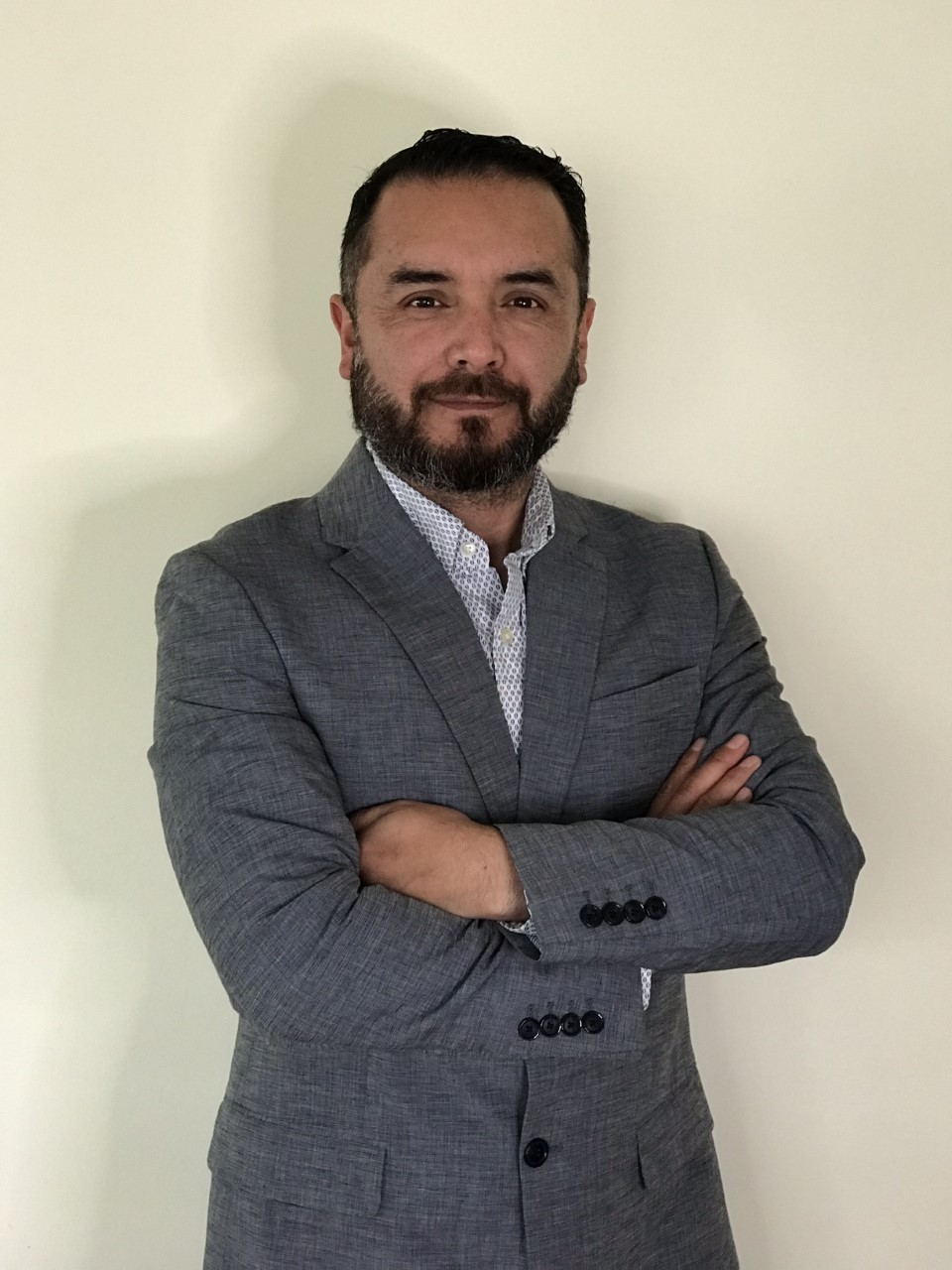 Enzo Molina